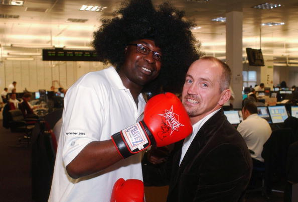 Barry McGuigan「BGC Hold Charity Trading Day In London」:写真・画像(8)[壁紙.com]