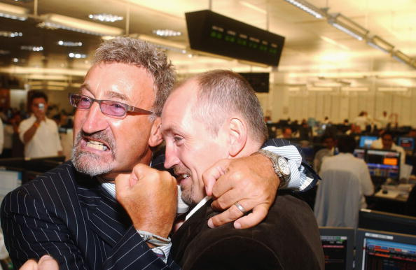 Barry McGuigan「BGC Hold Charity Trading Day In London」:写真・画像(6)[壁紙.com]