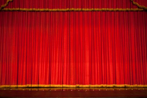 Velvet「Red theater performance stage」:スマホ壁紙(1)