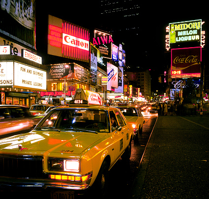 1980-1989「Taxis in Times Square 1984」:スマホ壁紙(16)