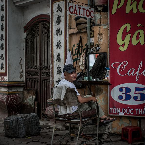 Street「Hanoi's Street Style Barbers」:写真・画像(11)[壁紙.com]
