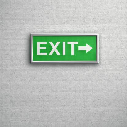 Guidance「Green Exit sign on a grey Wall」:スマホ壁紙(8)