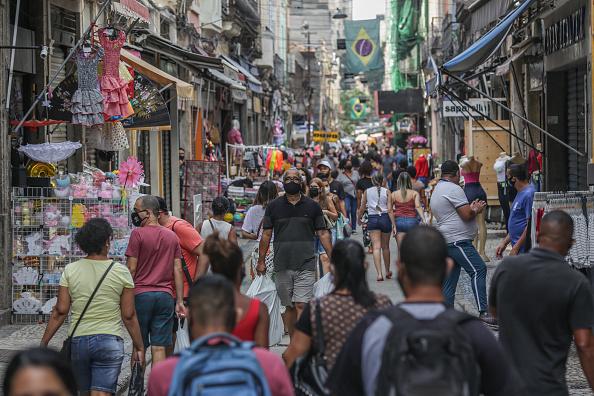 Brazil「The City of Rio de Janeiro Brings Forward the Reopening of Further Businesses Amidst the Coronavirus (COVID - 19) Quarantine」:写真・画像(19)[壁紙.com]