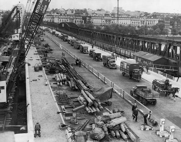 Horse「Waterloo Bridge Re-Opened」:写真・画像(18)[壁紙.com]