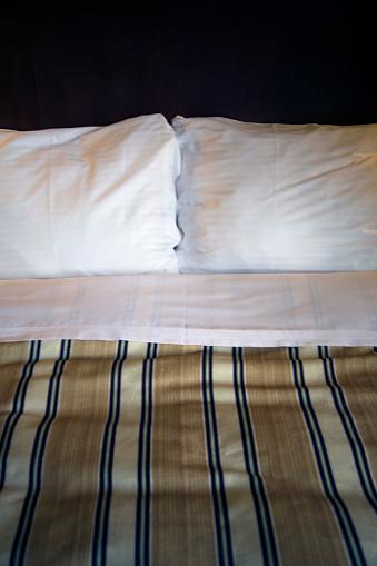 Motel「Made Hotel Bed」:スマホ壁紙(5)