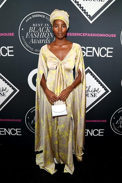 V-Neck「ESSENCE Best In Black Fashion Awards」:写真・画像(8)[壁紙.com]