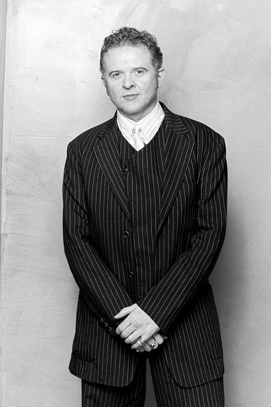 Three Quarter Length「Mick Hucknall Portrait 1999」:写真・画像(16)[壁紙.com]