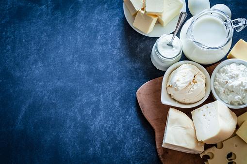 Sour Cream「Dairy products shot on bluish tint background」:スマホ壁紙(2)