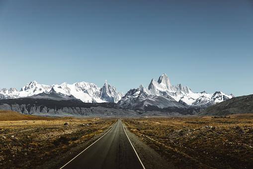 Latin America「View of road to Fitz Roy in Patagonia」:スマホ壁紙(15)
