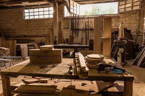 Carpentry「Carpentry workshop with no people.」:スマホ壁紙(12)