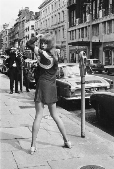 Mini Skirt「Patti Boyd」:写真・画像(7)[壁紙.com]