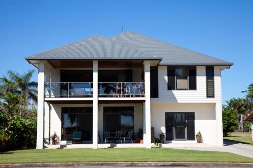 Queensland「Beachside Home with blue sky」:スマホ壁紙(15)