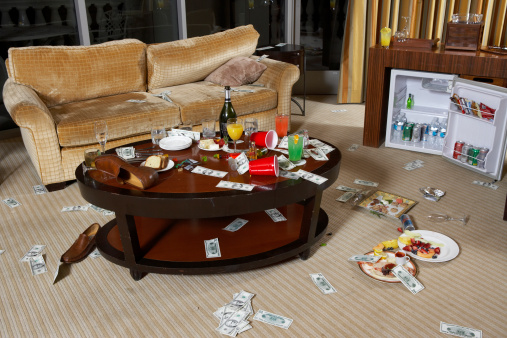 Hotel Suite「Messy hotel room after party」:スマホ壁紙(16)