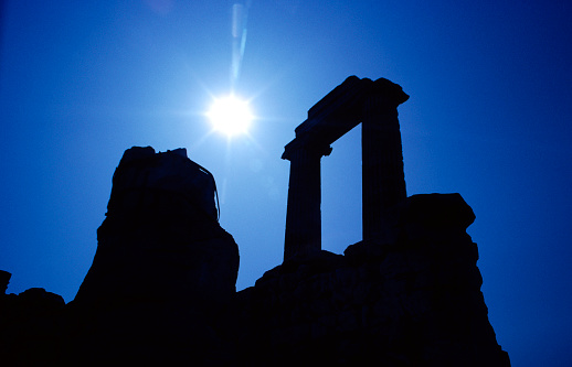 God「Silhouette of the Temple of Apollo in Didim」:スマホ壁紙(16)