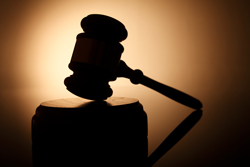 Legal System「Silhouette of gavel on sounding block」:スマホ壁紙(15)