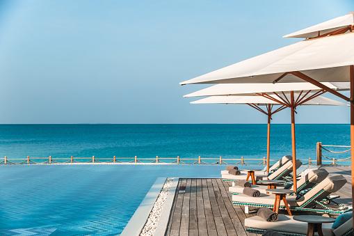 Tropical Tree「Tropical Swimming Pool in Maldives」:スマホ壁紙(19)
