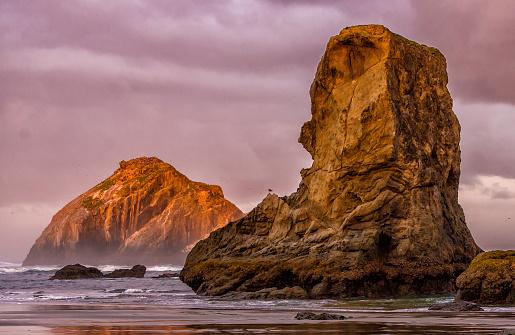 Rock Music「Early Morning Sunrise at Bandon, Oregon Sea Stacks」:スマホ壁紙(5)