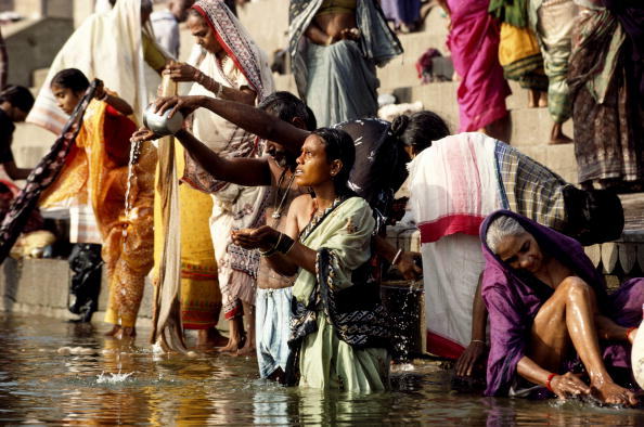 Pouring「River Ganges」:写真・画像(11)[壁紙.com]