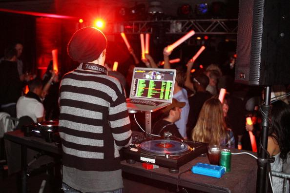 Samantha Ronson「T-Mobile Presents Google Music At TAO - Night 4 - 2012 Park City」:写真・画像(8)[壁紙.com]