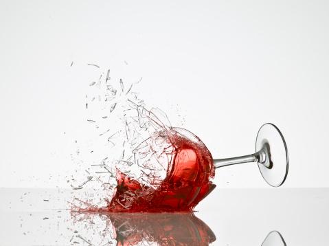 Broken「Wine Glass Breaking」:スマホ壁紙(13)