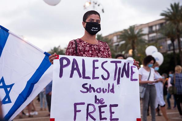 パレスチナ「Protest In Tel Aviv Against Israel's West Bank Annexation Plan」:写真・画像(6)[壁紙.com]