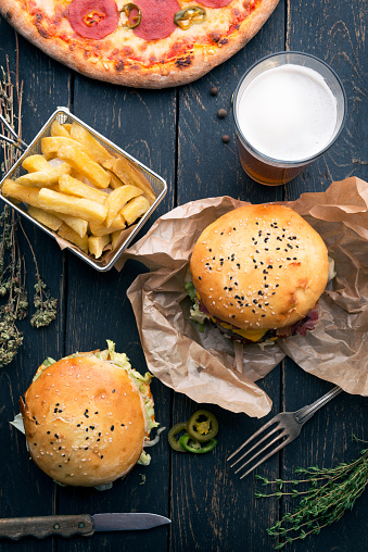 Crunchy「Burgers set background」:スマホ壁紙(14)