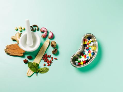Mint Leaf - Culinary「Herbal remedies and bowl of pills, close-up」:スマホ壁紙(1)