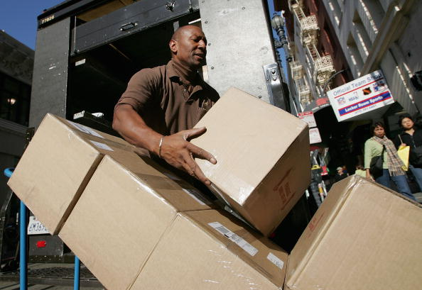 Box - Container「UPS To Work Through The Night To Deliver Holiday Packages」:写真・画像(9)[壁紙.com]