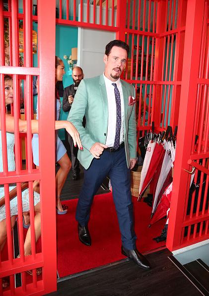 Jacket「Celebrities Attend Oaks Day」:写真・画像(1)[壁紙.com]