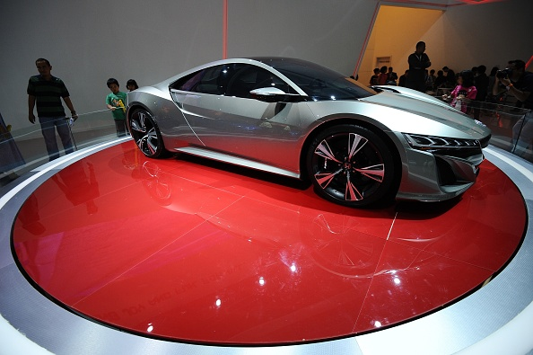 NSX「Enthusiasts Gather For Indonesia 's 21st International Motor Show」:写真・画像(5)[壁紙.com]