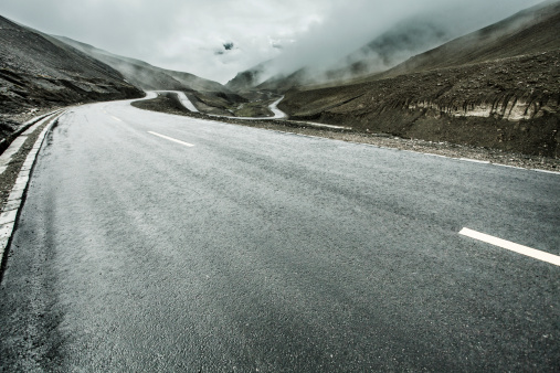 Hairpin Curve「Mountain road in Tibet, China」:スマホ壁紙(15)