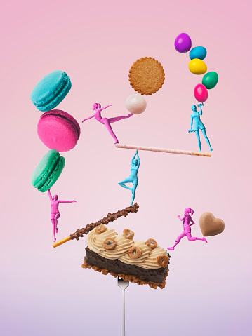 Sweet Food「Girls figures taking a balance while exercising with sweets」:スマホ壁紙(10)