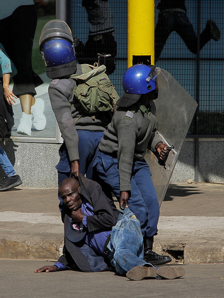 Zimbabwe「Opposition Protests Against Mnangagwa Government In Harare」:写真・画像(9)[壁紙.com]