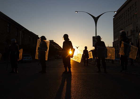 Zimbabwe「Anti Government Protests」:写真・画像(4)[壁紙.com]