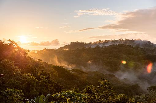 Central America「Fog on mountains at sunset」:スマホ壁紙(19)