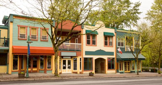 British Columbia「Colorful Store facades」:スマホ壁紙(15)