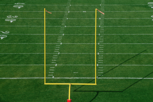 Yard Line - Sport「American football field with goal post, elevated view」:スマホ壁紙(18)