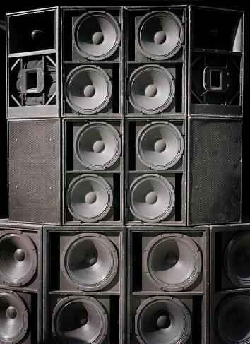Bass Instrument「Many Loudspeakers」:スマホ壁紙(12)