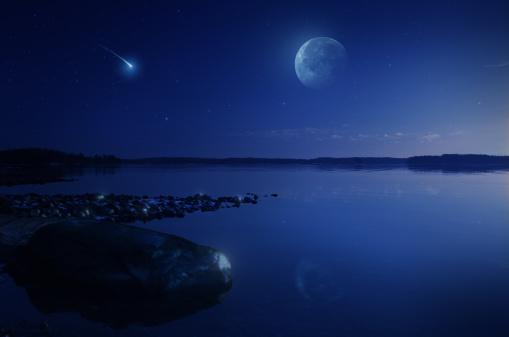 Supernova「Rising moon over lake」:スマホ壁紙(7)
