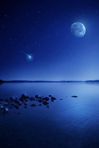 Supernova「Rising moon over lake」:スマホ壁紙(11)