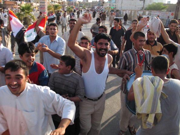 アジアカップ「Iraqi Football Fans Celebrate Victory in AFC Asian Cup」:写真・画像(8)[壁紙.com]