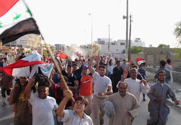 アジアカップ「Iraqi Football Fans Celebrate Victory in AFC Asian Cup」:写真・画像(5)[壁紙.com]