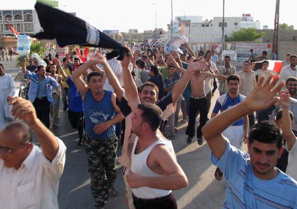 アジアカップ「Iraqi Football Fans Celebrate Victory in AFC Asian Cup」:写真・画像(7)[壁紙.com]