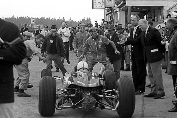 Atmosphere「John Surtees, Grand Prix Of Germany」:写真・画像(14)[壁紙.com]