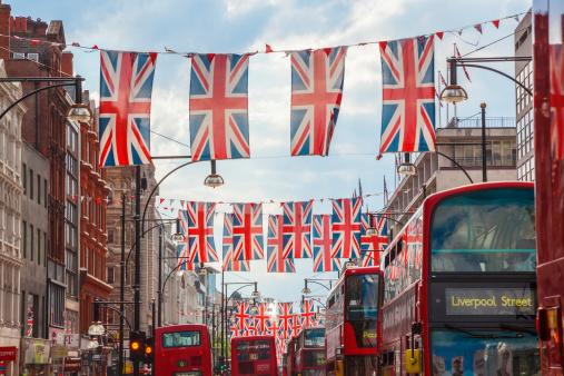 Oxford Street - London「Oxford Street, Union Jack Flags Buses, London, UK」:スマホ壁紙(4)