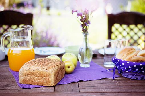 Bun - Bread「Laid breakfast table」:スマホ壁紙(10)