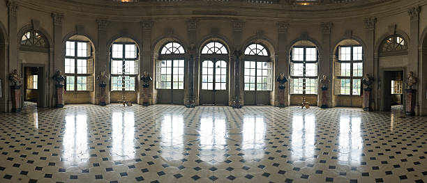 Ballroom, reflected:スマホ壁紙(壁紙.com)