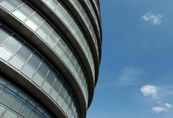 Curve「City Hall, Greater London Authority, GLA Building, by Tower Bridge, South Bank, Southwark, London, United Kingdom. Architects Norman Foster and Partners. Engineers Arup.」:写真・画像(2)[壁紙.com]