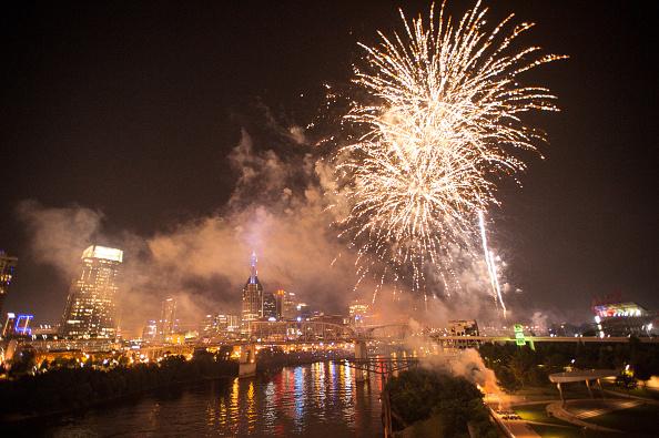 Firework Display「2018 Let Freedom Sing! Music City July 4th」:写真・画像(15)[壁紙.com]