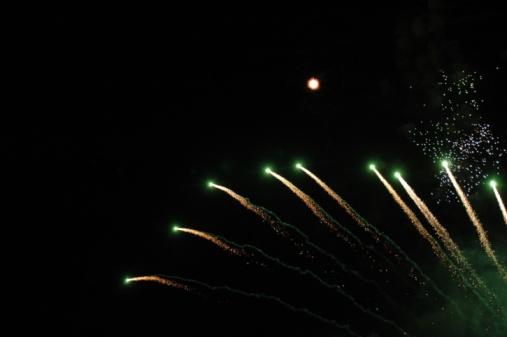 花火「Fireworks at night」:スマホ壁紙(1)
